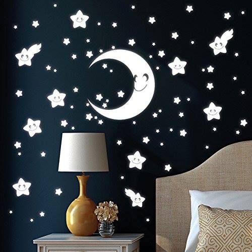 Wandsticker Halbmond Mit 75 Niedlichen Sternen Die Im Dunkeln Leuchten Sorgt Fur Einen Tollen Sternenhimmel Im Kinderzimmer Und Halt Sterne Sternenhimmel Und Kinderzimmer
