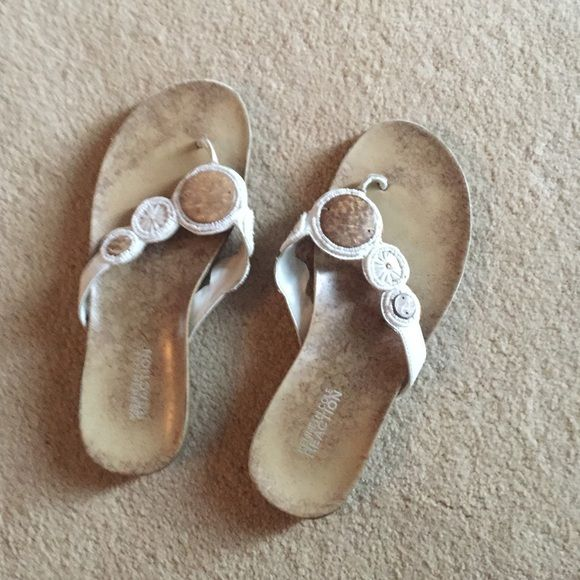 Kenneth Cole Reaction Sandals White leather with wooden trim - good condition - warm weather is coming!☀️ Kenneth Cole Reaction Shoes Sandals