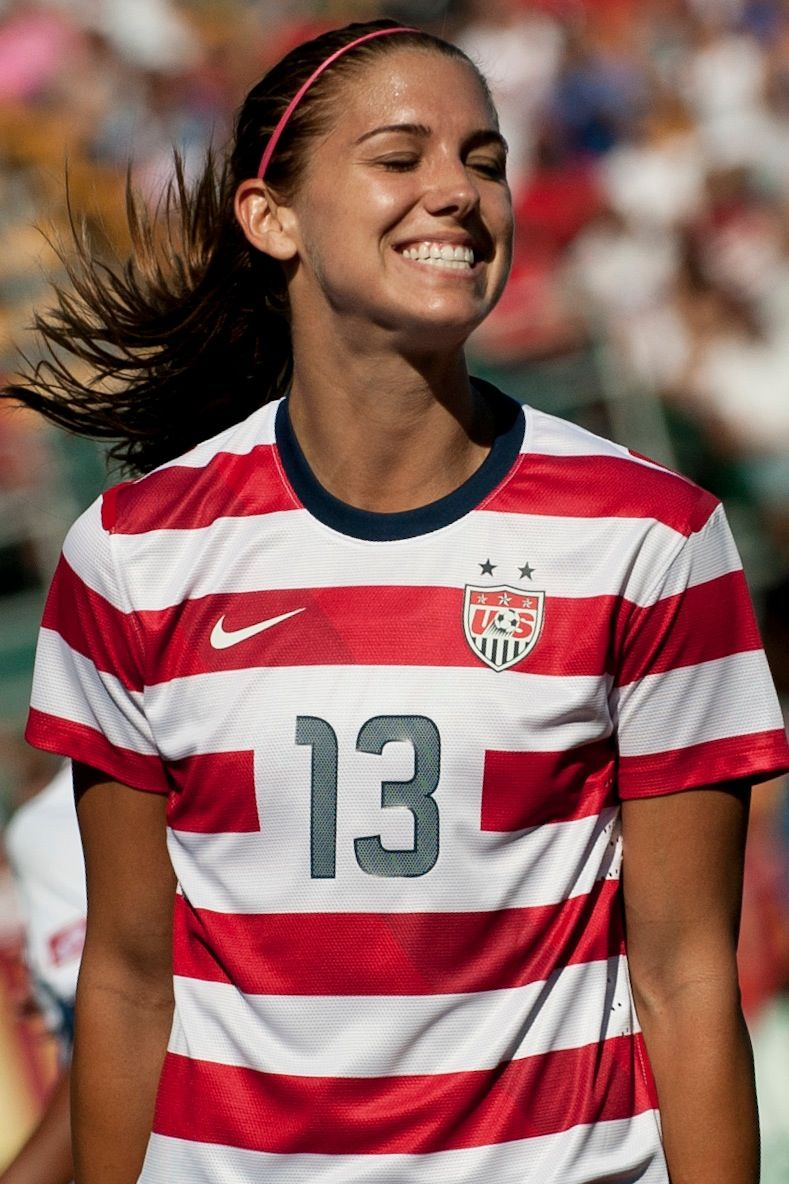 Hat Trick (The Kicks): Alex Morgan ... - amazon.com