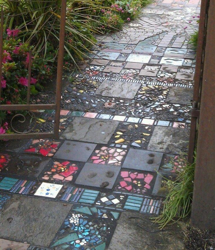 Making A Wonderful Garden Path Ideas Using Stones: Garden Path Made Of Broken Tiles