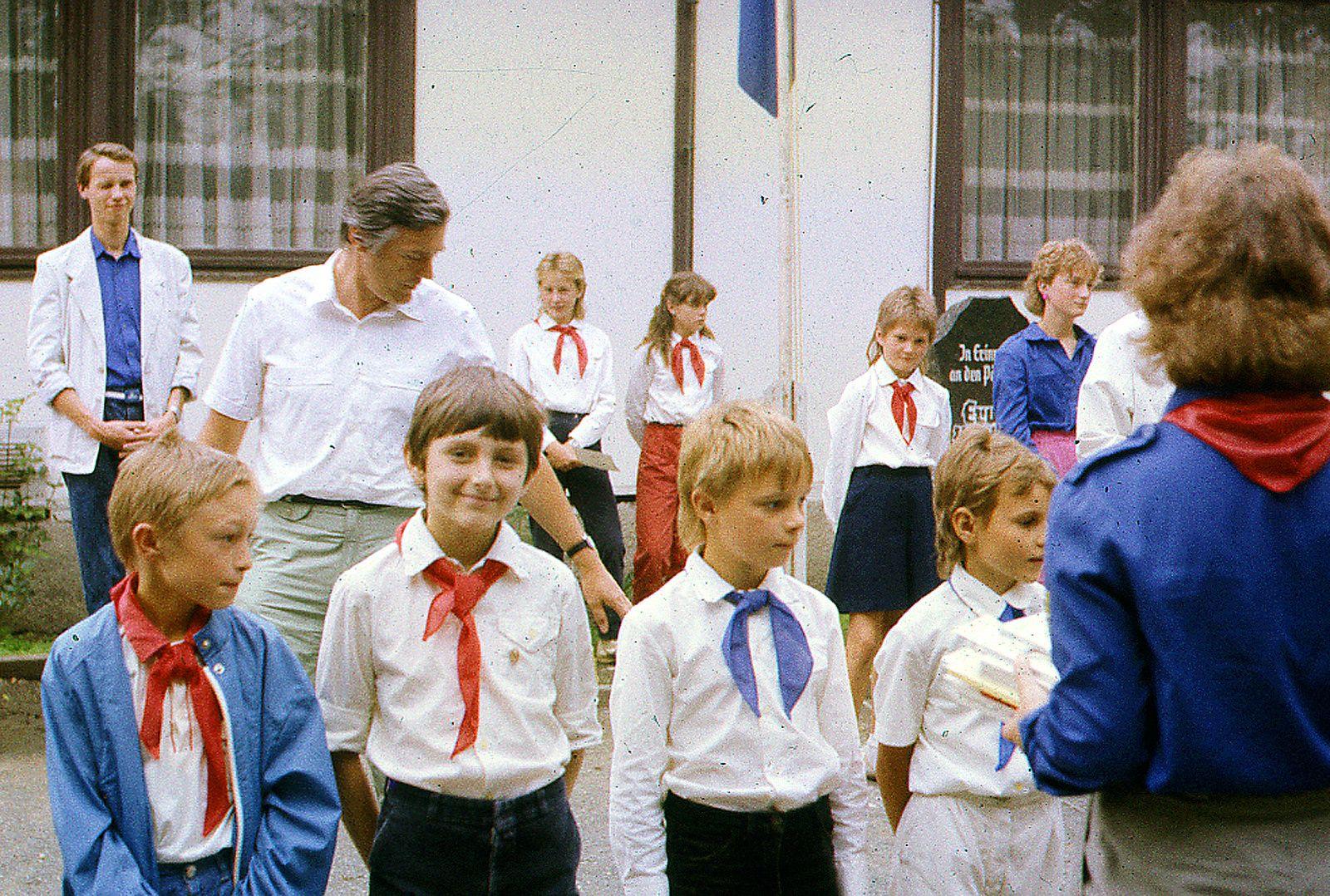 Schule DDR,DDR Pioniere,DDR FDJ,GDR Pioneer ...