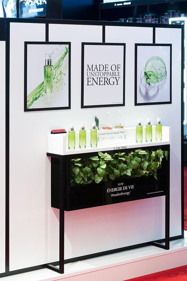 design retail podium lanc me juicy shaker energie de vie ph m re cosm tique make up soin by. Black Bedroom Furniture Sets. Home Design Ideas