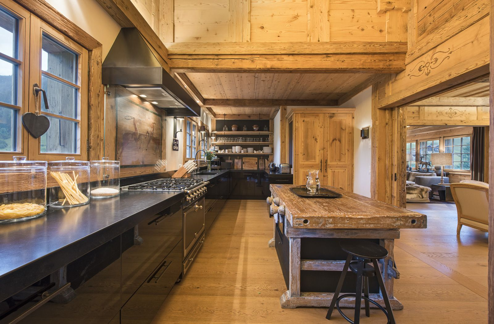 Arredamento Chalet Montagna a luxurious chalet just outside gstaad | arredamento casa