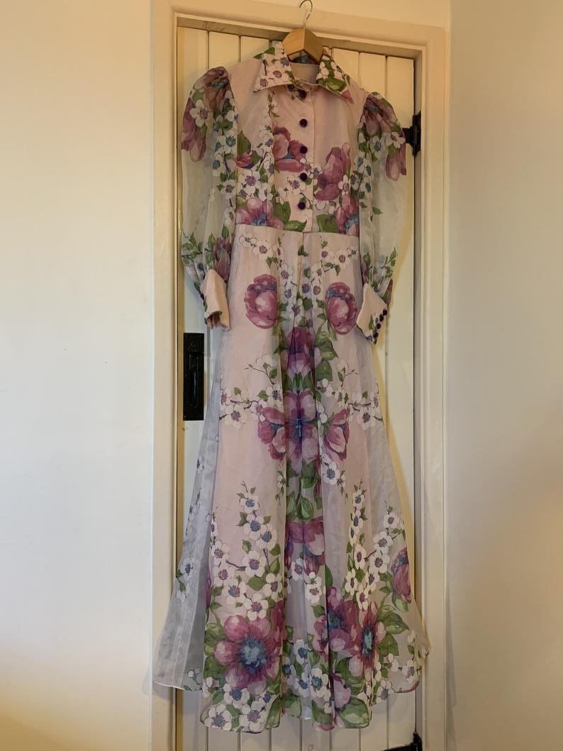 Vintage Chiffon 70s Maxi Dress Early 1970s Floral Maxi Velvet Etsy Floral Chiffon Maxi Dress Maxi Dress Floral Maxi [ 1059 x 794 Pixel ]