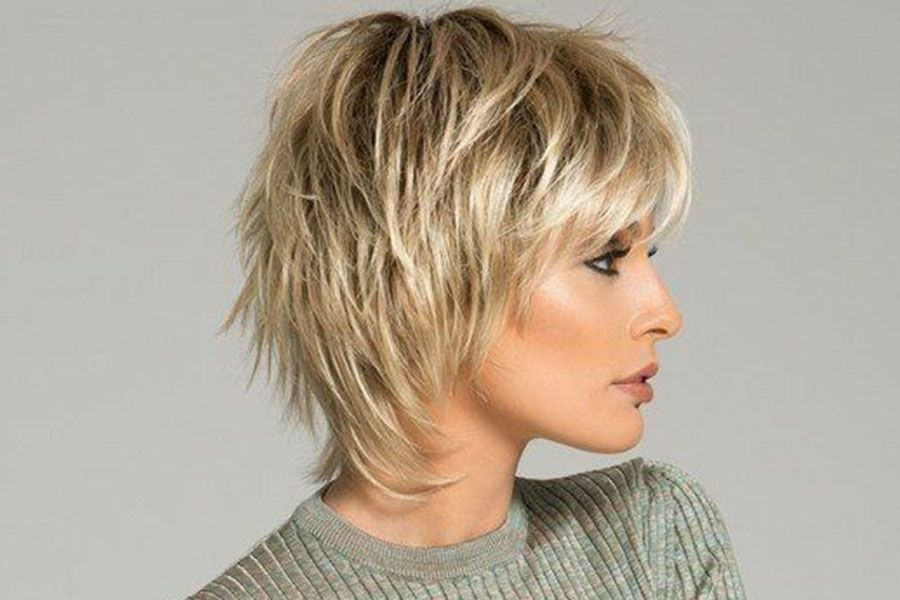 30 Youthful Hairstyles That Look Great At Any Age Short Choppy Hair Choppy Hair Chin Length Hair