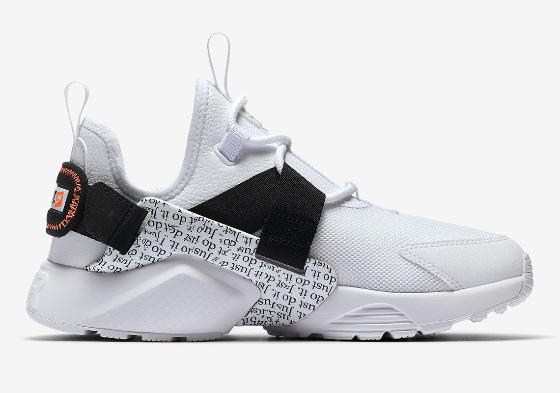 a6738f4d24e5 Nike Air Huarache City Low