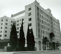 Mae West Lived in Hollywood\'s Ravenswood Apartments | La Nuestra ...