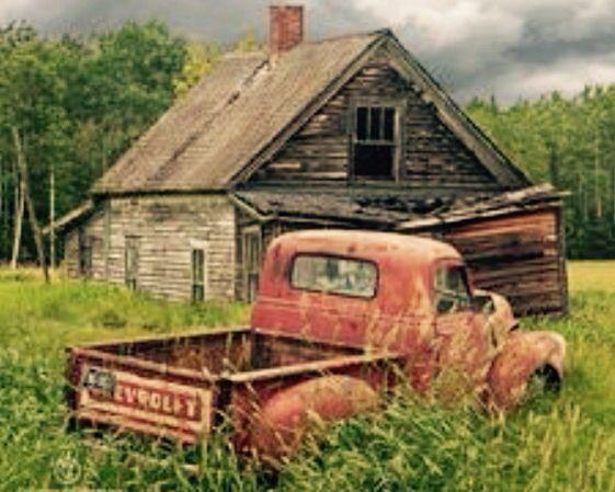 Rustic Charm Vintage Truck Wallpaper