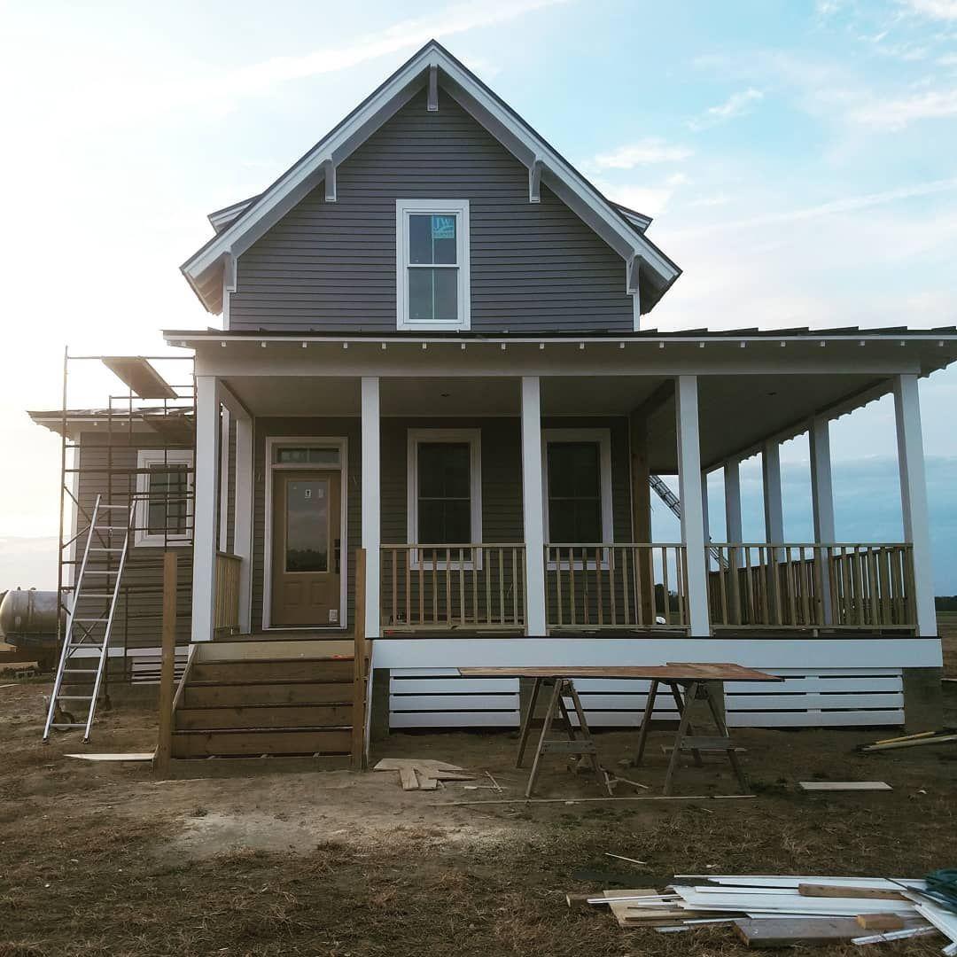 House Beautifulfollowing her build Build based