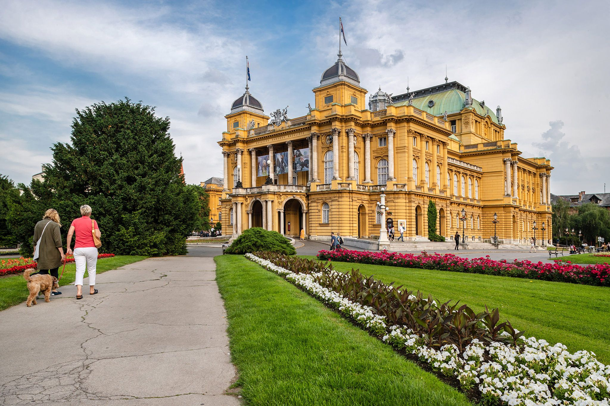 Croatian National Theatre In Zagreb Croatia It Is Neo Baroque Building Established In 1895 Croatiannationaltheatre Croa Zagreb Neo Baroque National Theatre