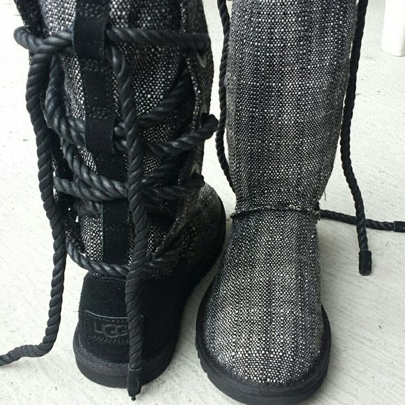 ... Stivali Ugg e altro. AUTHENTIC Ugg Boots Black and white tweed front  Authentic Uggs. Siver hardware with rope back