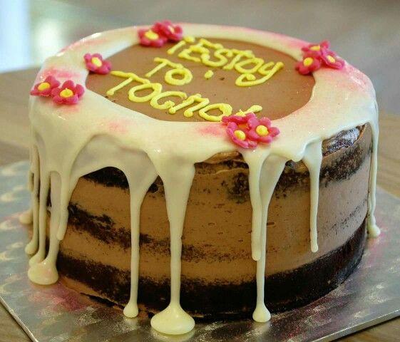 Dulces detalles que llenarán de felicidad. ¡¡Feliz Día!!  #Tartas #TartasCumpleaños #ReposteríaCreativa #Tartaspersonalizadas