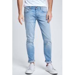 Jeans Robin, hellblau Strellson #weddingguesthairstyles