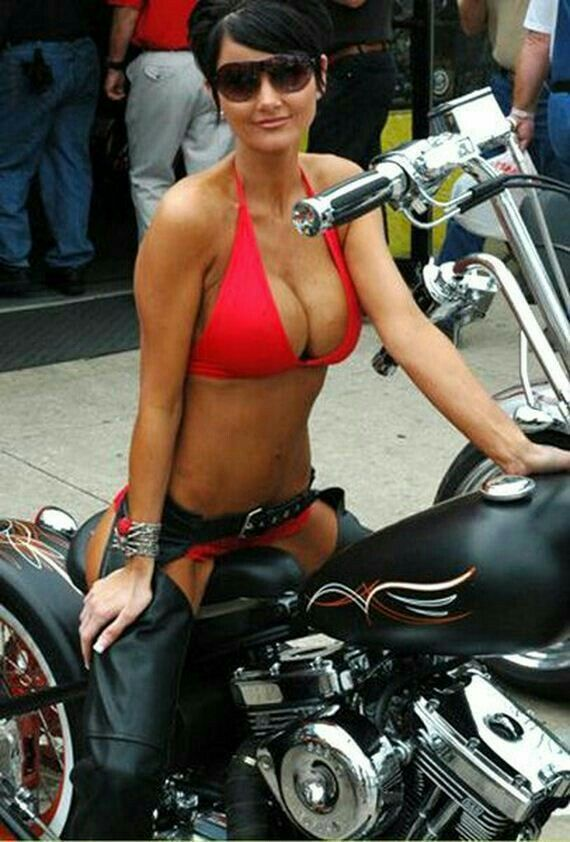 frauen motorrad rallye nude
