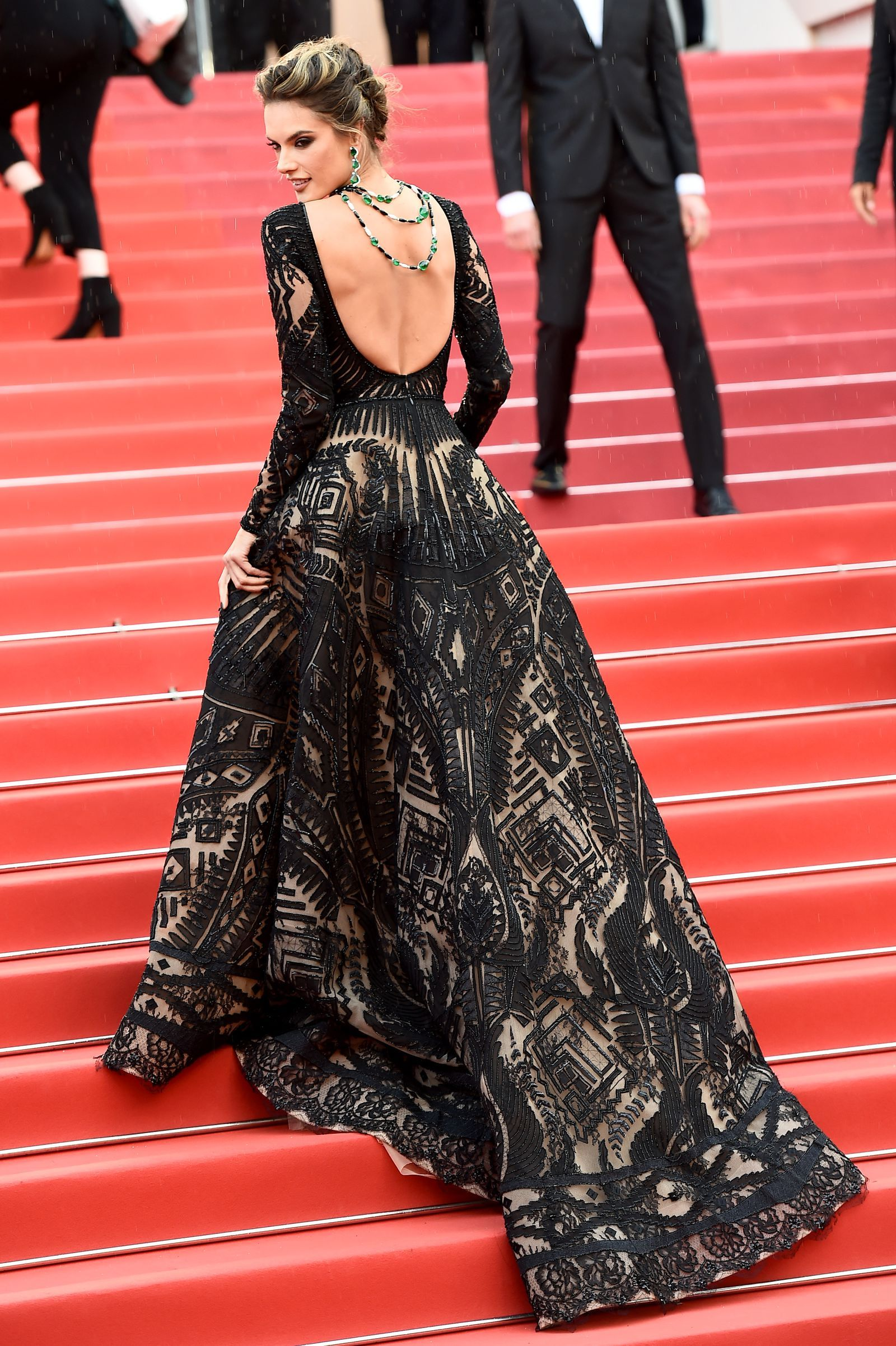 The Most Glamorous Looks At The Amfar Cannes Gala Fashion Gowns Red Carpet Dresses Nice Dresses