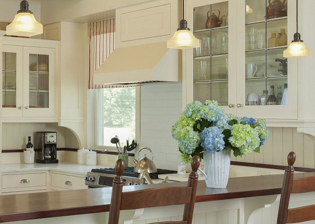 White cabinets, light countertops, contrast breakfast bar countertop #kitchen