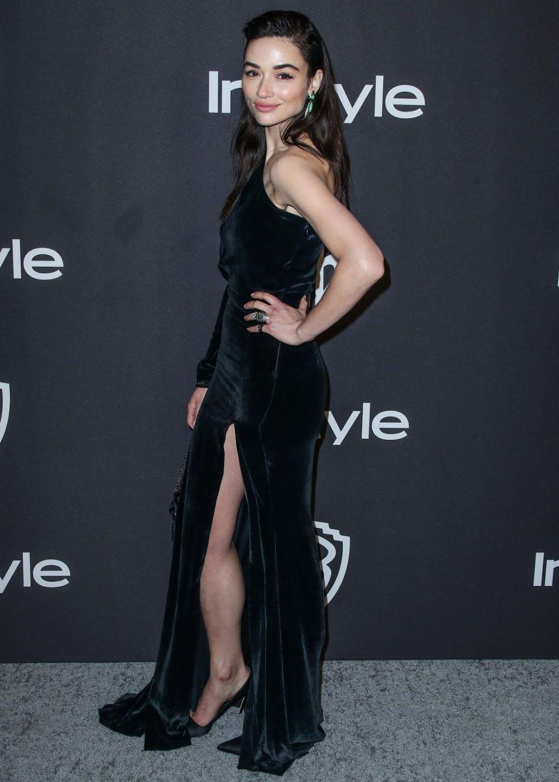 2019 Golden Globe Awards Crystal Reed in black dress