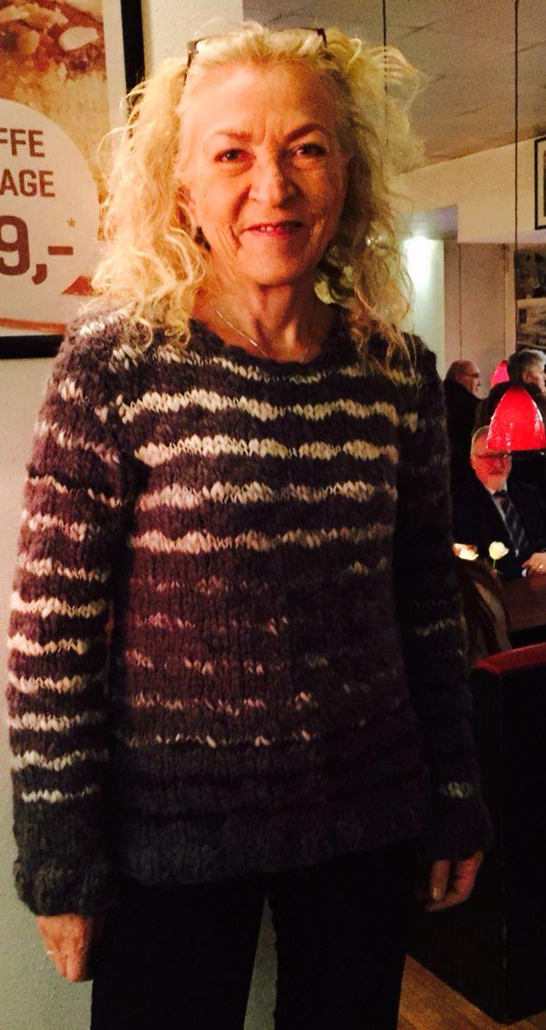 Lottes sweater januar 2015