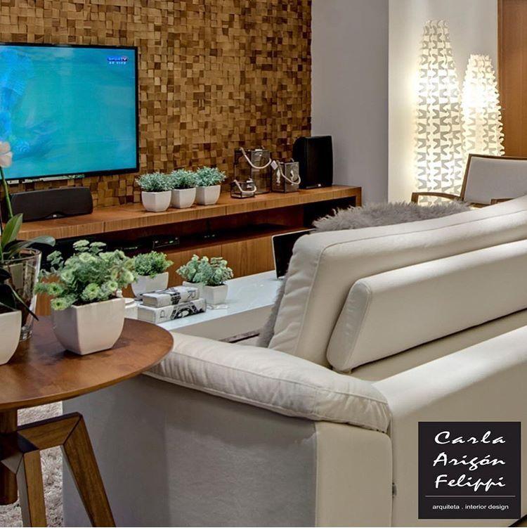 Sala de TV por Carla Felippi #living #paineltv #interiordesign #homedecor #decoração