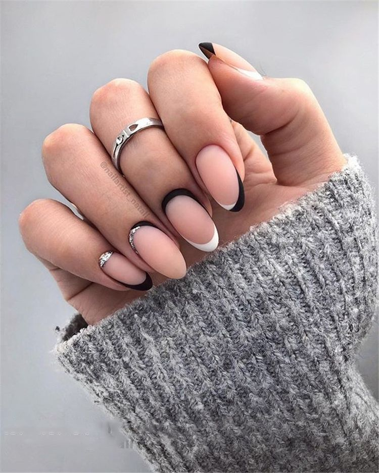 38 Elegant Almond Matte Nails Design Ideas With Images Matte Nails Design Almond Acrylic Nails Oval Nails