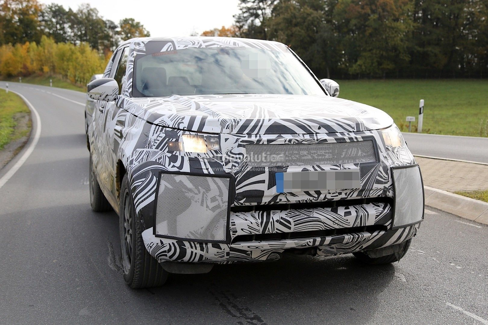 2018 land rover discovery release date. contemporary rover 2017 land rover discovery 5 spy photos release date on 2018 land rover discovery