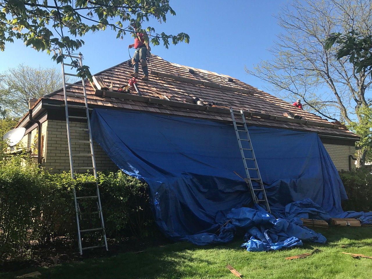 Best Cedar Roofing Installation Cedar Roof Cedar Shake Roof 640 x 480