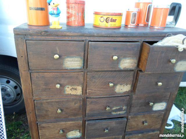 Type  Buffet, Console, autres petits meubles Ancien meuble d