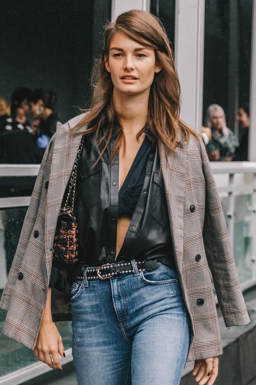5 Maneras De Llevar Tu Americana Para Que Parezca Diferente Sin Gastar Un Euro Moda De Pieles Blusas De Moda Moda