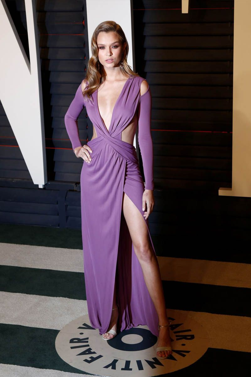 Josephine Skriver Sexy Plunging Purple Prom Dress Vanity Fair Oscar ...