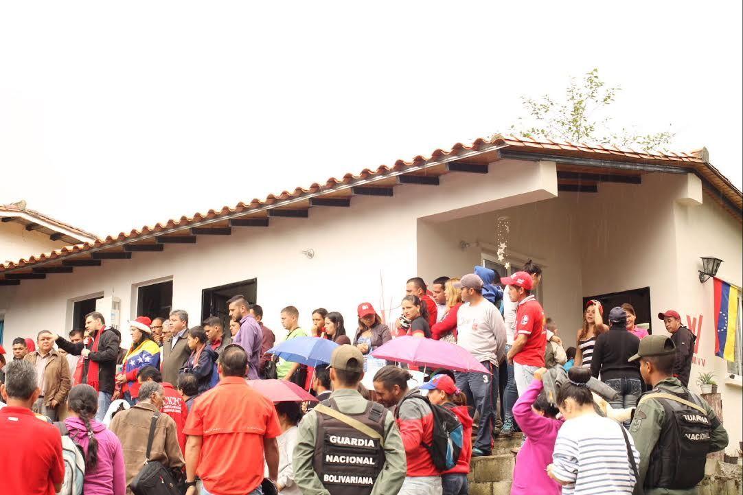 Gobernador Alexis Ramírez ha entregado más de 38.000 viviendas en Mérida https://t.co/6vOTjss6hp https://t.co/OR6PrAYe9e