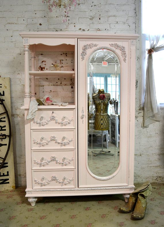 Immagini Di Mobili Shabby Chic.Painted Cottage Chic Shabby Pink French Armoire By