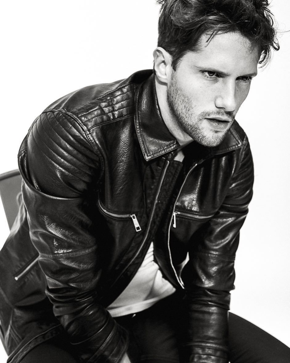 Black And White Men In Leather Https Pppimp Com Leather Jacket Leather Jacket Men Celebrities Leather Jacket [ 1176 x 941 Pixel ]