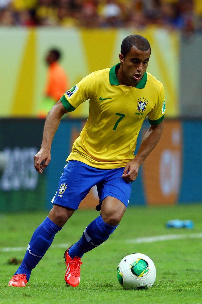 Resultado de imagem para lucas moura seleção brasileira