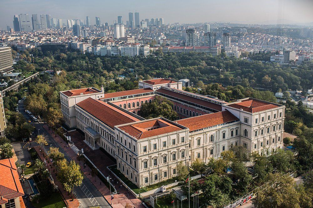 Istanbul Technical University Built In 1861 By Sarkis Balyan An Armenian Architect For Five Generations The Ba Empire Architecture Architecture Ottoman Empire