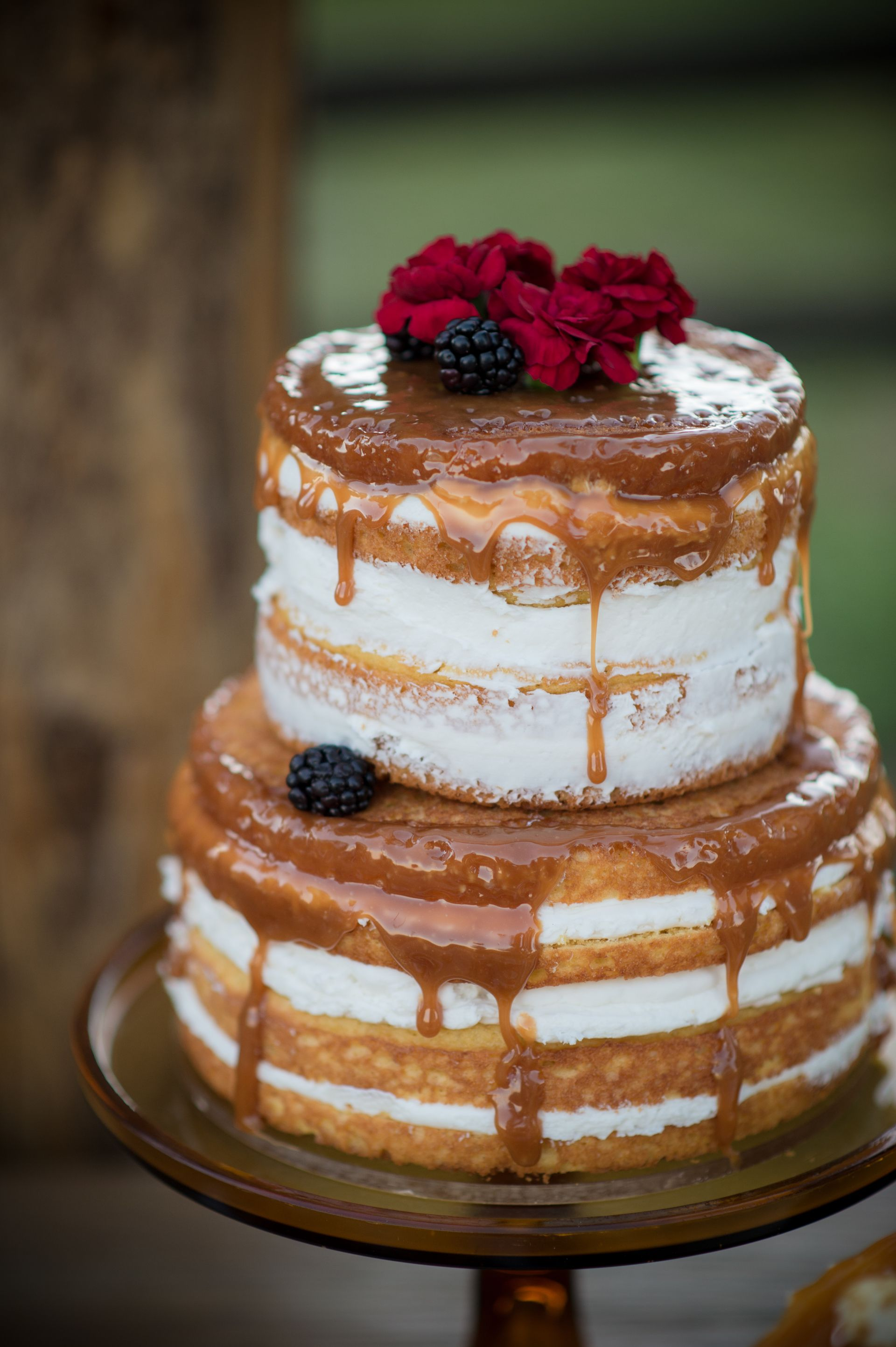 Naked cake, blackberries, red flowers, caramel drizzle, wedding cake ideas // Spika Photography