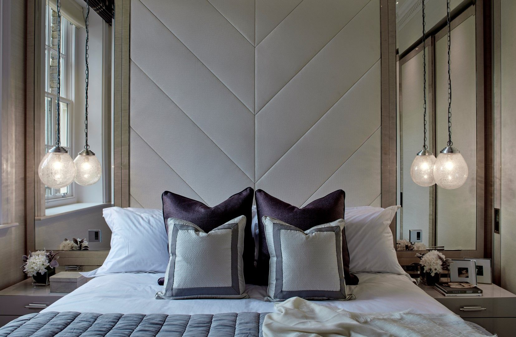 Elegant Upholstered Headboard, W/side Mirrors And Pendant