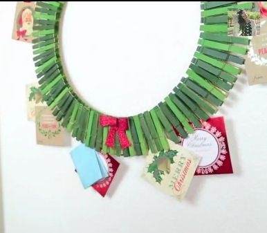 This One Is A Better Option   DIY Christmas Card Holder Wreath!