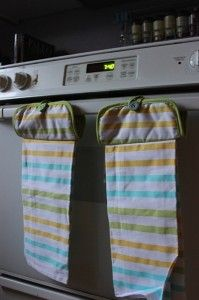 DIY Hanging towels. Total cost each - $1.50 at Dollar Tree... add to in-law gift pile...