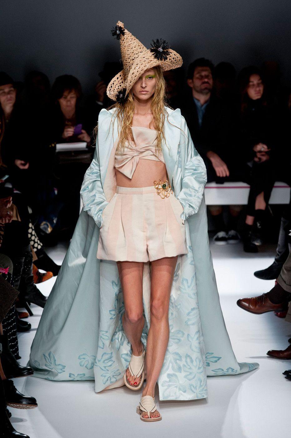 Schiaparelli at Couture Spring 2014 - StyleBistro