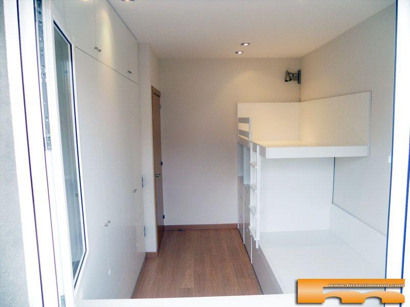 Habitacion infantil con litera tipo tren y armario a - Habitaciones infantiles tren ...