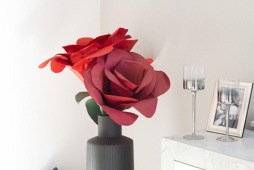 Blumen Zum Valentinstag? Aber Klar! Und Riesige Rote Rosen Sollen Es Sein!  Wie