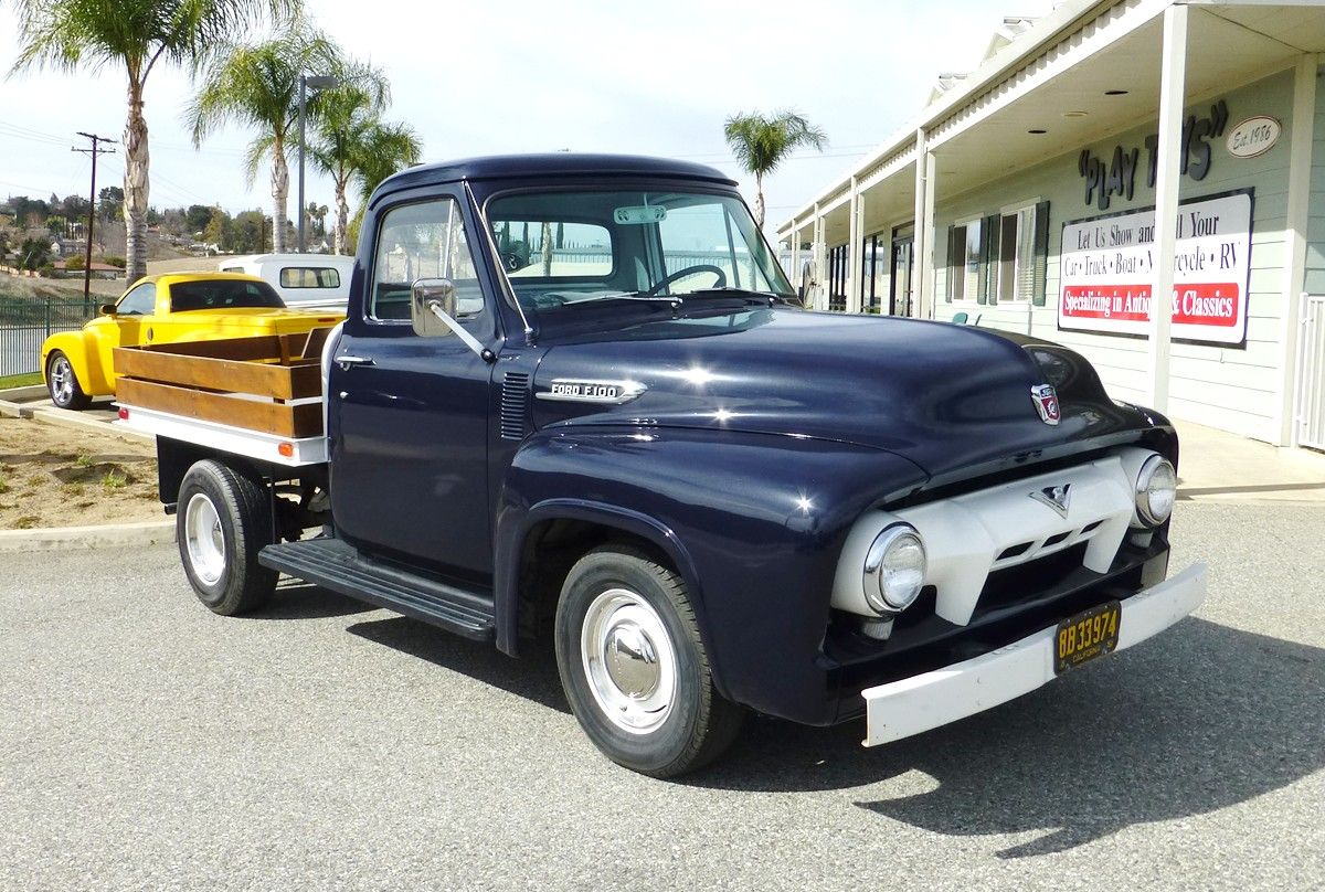 76cbe29663d8caa1a31ead3b449f9792 1954 ford f100 stake bed truck 1955 ford f100 flatbeds pinterest