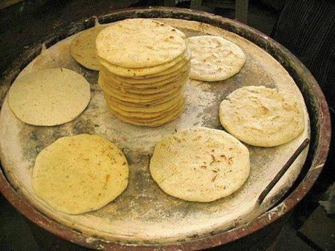 Tortillas De Maiz Corn Tortillas Guatemalan Recipes Mexican Food Recipes Peruvian Recipes