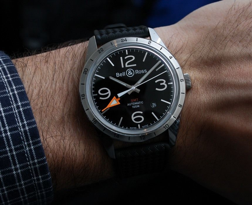 watches aerospace featuring zodiac hermetic moniker vintage dial we a was patrol aside and found gear come later launched analog jet for hour like the from in what years would configuration sale