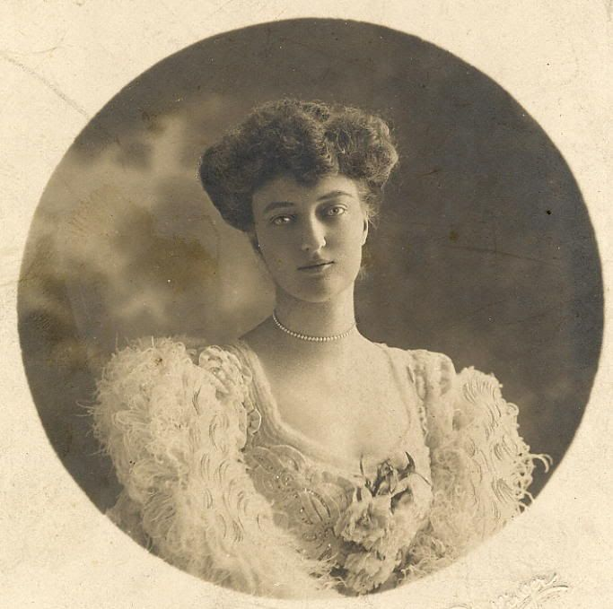 Брачный возраст принцесс, родившихся в 1880-ые