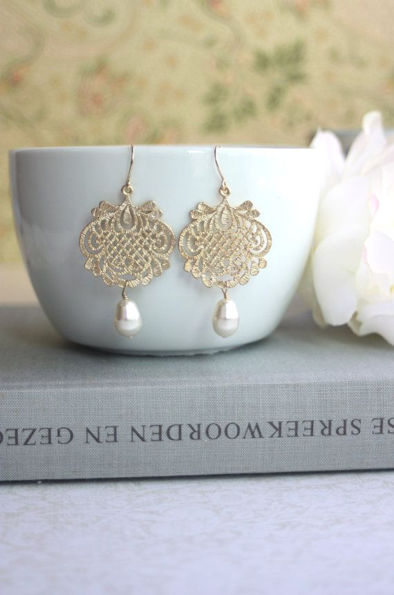 Gold Filigree and Ivory Pearls Earrings