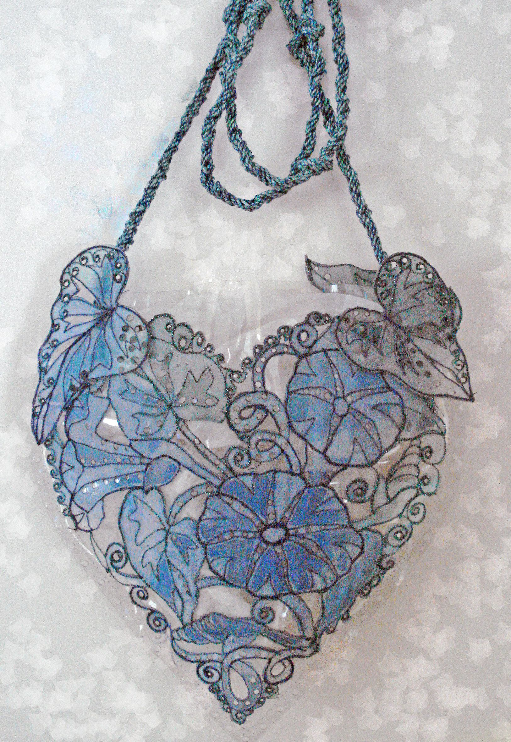 """Lovely handbag, had to repin. Link is not at all helpful. Will track down better link if I can find one. I doubt this is a DIY, but would like to know what this handbag is made of and who makes it - """"Morning Glory heart-shaped handbag"""""""