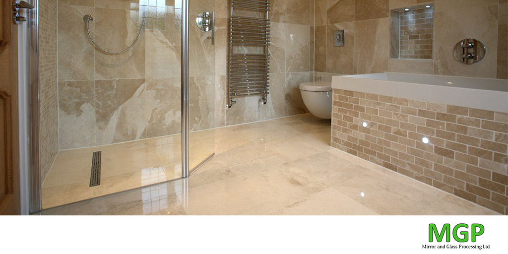 Toughened glass shower screen with hinge - bathroom