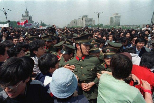 Tiananmen Square Massacre: Prelude To A Massacre In 55 Photos