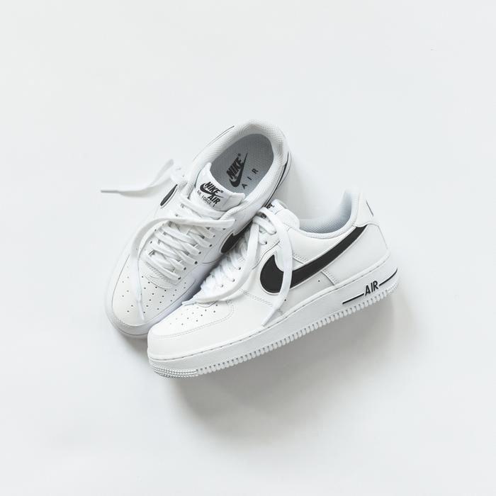 Nike Air Force 1 LV8 Utility (Blanc) Baskets chez Sarenza